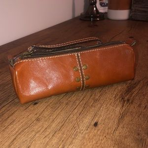 NWOT Patricia Nash leather pouch